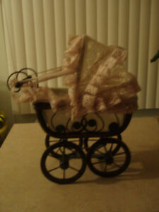 VINTAGE VICTORIAN WOOD DOLL CARRIAGE BABY BUGGY BASSINET