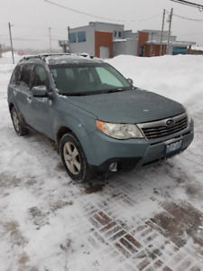Subaru Forester 2010 Touring, 2.5 automatic