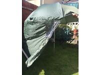 Keenets fishing umbrella with sides