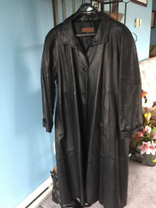 Women's Plus Size (XXL) Leather Coat