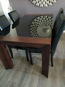 Wood and Glass dinning Table
