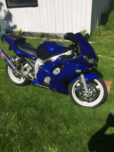 Yamaha R6  02.   $3000$