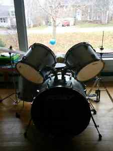 Peavey 5 Piece Drum Kit