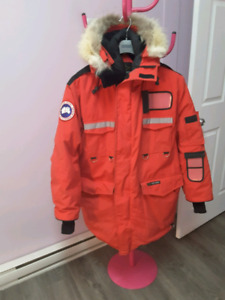 manteau Canada Goose RESOLUTE, pour hommes SIZE LARGE