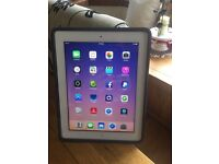 iPad 4th generation 32gb white and silver