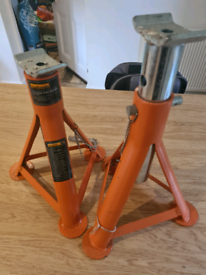 Halfords 3 ton axle stands