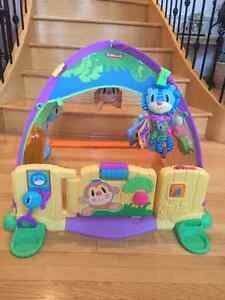 FUN Playskool Pop out TENT. MY BABY LOVED THIS TOY!!! Edmonton Edmonton Area image 1