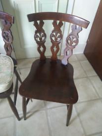 Windsor Fleur de Lys - 6 Chair Set - Mid-Century Vintage Classic Retro