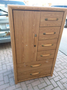 New price Dresser 6 drawers plus 3 shelfs