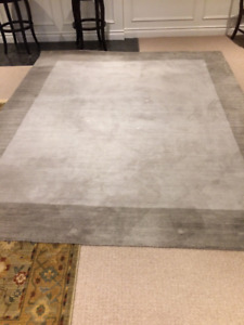 Area carpet, 100% wool, 8 x 10 Gray