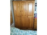 Wardrobe and chest of drawers set