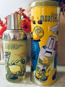 MARTINI / COCKTAIL SHAKER – STAINLESS STEEL w/PAINTED GLASS-NEW