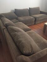 Sectional couch from Mobilia