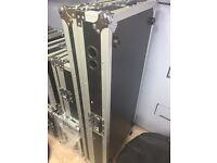 Coffin flight case for 2x Cdj 1000 + DJM 4 channel mixer