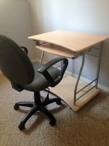 COMPUTER DESK WITH CHAIR, EXCELLENT CONDITION