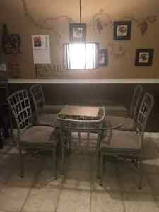 Glass kitchen table and four chairs Windsor Region Ontario image 1