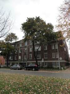4 1/2 - Westmount-Atwater, spacious, clean & bright