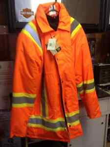 Winter insulated safety parka and bibs Cornwall Ontario image 1