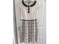 TOCCA CUTE BEIGE DRESS WITH GOLD & BLACK DAISY EMBROIDERY SIZE 2