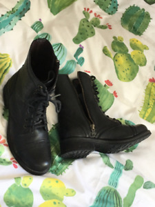 Steve Madden Combat / Army Boots - size 7 1/2 - $20