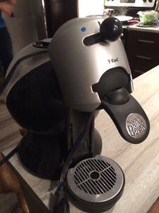 Machine à café nescafé Dolce Gusto