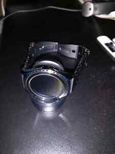 In Box, new condition Samsung gear S2 watch with metal band Kitchener / Waterloo Kitchener Area image 3