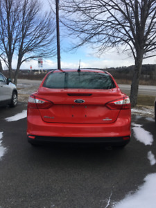 2014 Ford Focus Se Clean Carproof  Only 10,495 Low Kms