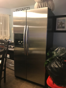 Side by Side Stainless Steel Refrigerator/Freezer