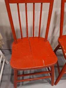 vintage wooden chair - $10