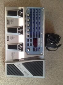 BOSS ME-20 GUITAR MULTI EFFECTS PEDAL & POWER SUPPLY
