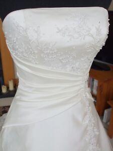 "Wedding Dress - Maggie Sottero ""Rebecca"" Kitchener / Waterloo Kitchener Area image 3"