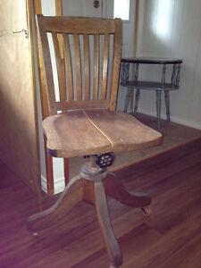 Oak Steno Chair