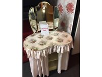 Dressing table for upcycle
