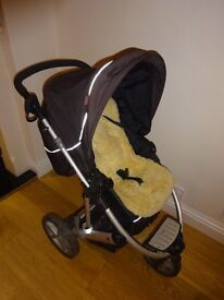 Britax Vigour 3+ Travel System: carrycot, push chair, car seat, ISO fix base