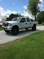 Lifted 2005 Ford F-250