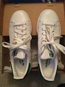 Excellent condition Adidas Stan Smith sneaker in size 6