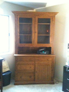 SOLID OAK HUTCH