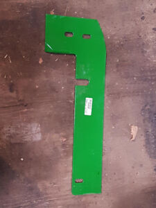 John Deere 40 series corn head deck plates