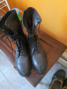 Excellent condition combat/work boots
