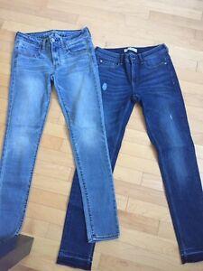 2 paires de jeans comme neuves taille 28 (6 ans)