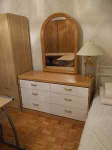 Dressing table with rounded mirror oak wood