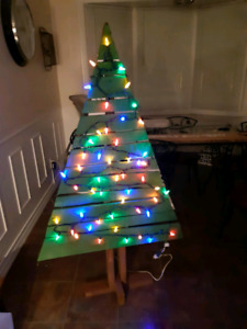 Rustic Reclaimed Pallet Wood Christmas Trees - Painted Lights