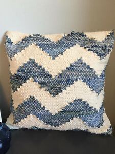 Coastal toss pillow
