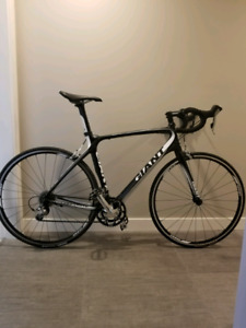 Giant Defy Composite 3 with under 30 hours