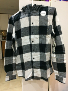 BRAND NEW BOYS LONG SLEEVE 2 PIECE FLANNEL SHIRT SET WITH TAG$10