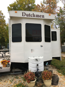 2010 40ft DUTCHMAN PARK MODEL TRAILER FOR SALE