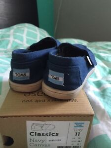 Toms size 11 London Ontario image 2