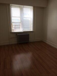 1 Bedroom Apartment Rental near General Hospital Regina Regina Area image 3