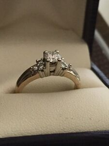 STUNNING 14k Two Tone .50 TW Diamond Ring Belleville Belleville Area image 8