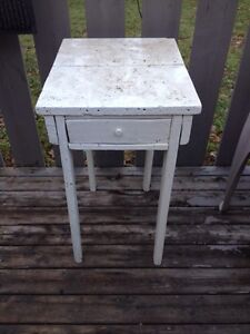 ANTIQUE HAND MADE TABLE